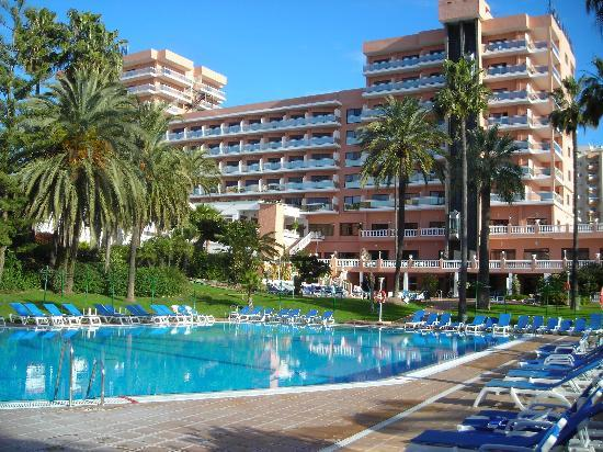 Piscinas picture of hotel best triton benalmadena for Piscinas sol