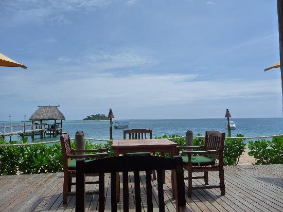 Malolo Island Resort: View from beach bar