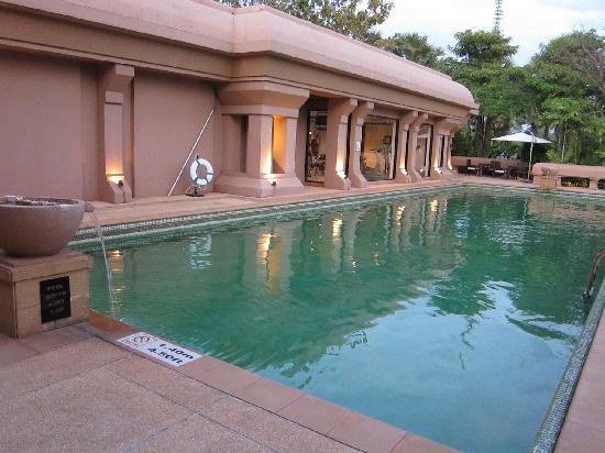 Le Méridien Angkor : pool area