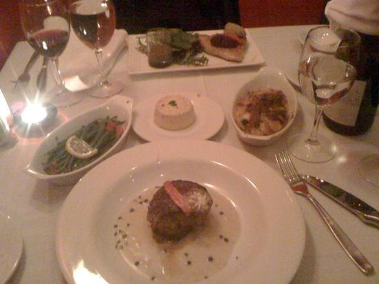 La Cuisine French Restaurant: Filet mignon, tuna, garlic flan, green beans and au gratin potatoes.