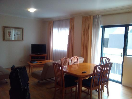 Mont Clare Boutique Apartments: nice open lounge/Dinner area LCD TV and DVD
