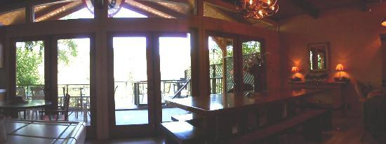 Wine Country Lodges: Panorama of Deck Through French Doors