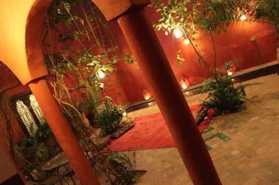 Riad Honey Sarl : Courtyard
