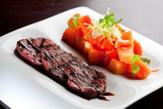 The Cellar: Beef medallions & Papaya Salad - Lunch Menu