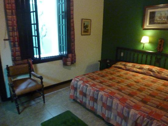 Hotel La Castellana : Second room