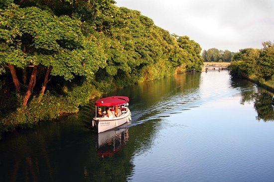 Oxford River Cruises : at godstow, Oxford