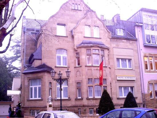 Hotel Villa Achenbach: Strassenansicht des Hotels