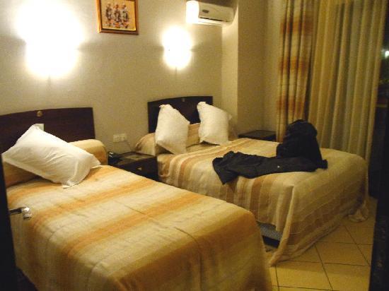 Assounfou Apart-Hotel: Large bedroom
