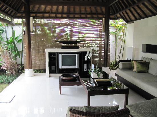 Villa Air Bali Boutique Resort & Spa: The living room