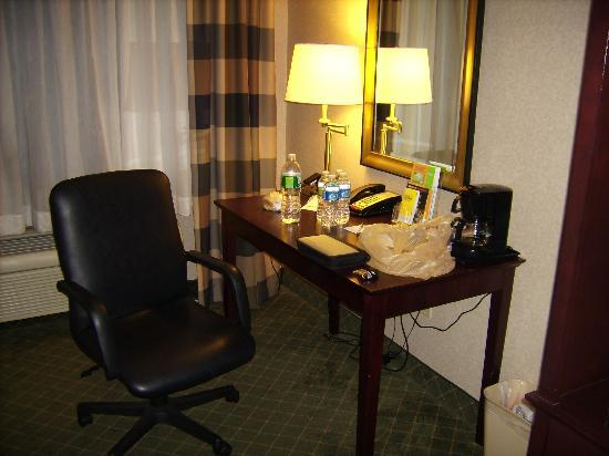 Red Roof Inn Hartford - New Britain: Desk area