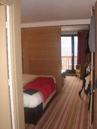 Club Med Peisey-Vallandry: View of room from doorway