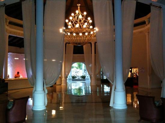 Cofresi Palm Beach & Spa Resort: hall