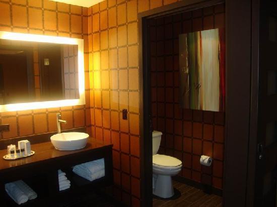 Hotel Room Picture Of Golden Nugget Hotel Las Vegas Tripadvisor