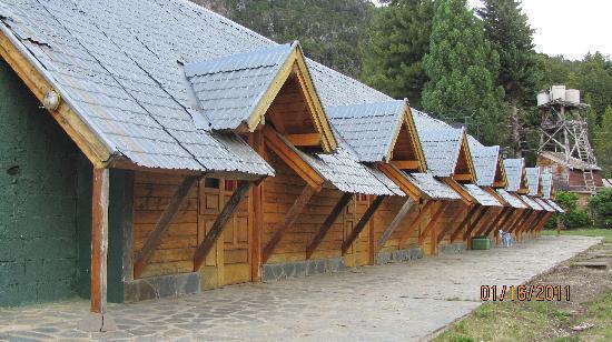Colonia Suiza, الأرجنتين: Vista externa de las habitaciones dobles