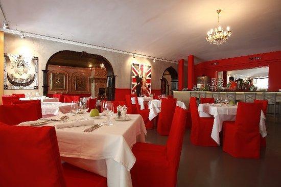 Cafe des Artistes : Hall