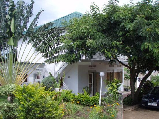 Rwenzori The Gardens Hotel