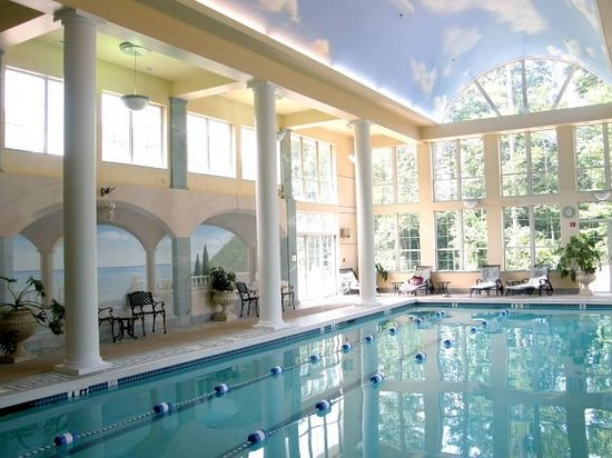 Senator Inn & Spa: Pool Area