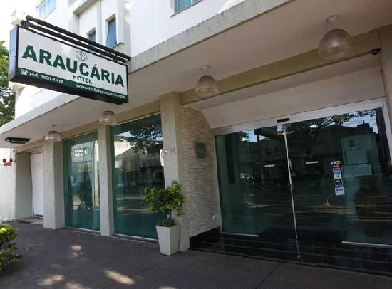 Hotel Araucária: PARKING