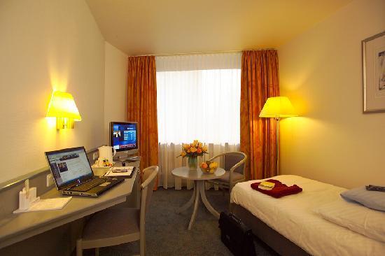 Central Hotel Eschborn: Einzelzimmer