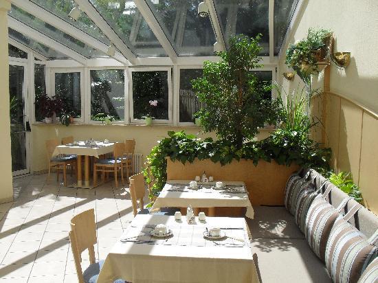 Central Hotel Eschborn: Le Jardin Frühstücksraum