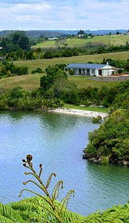 Fernbrook Beachfront Cottage & Apartment Accommodation: Fernbrook cottage (27 hectare) retreat