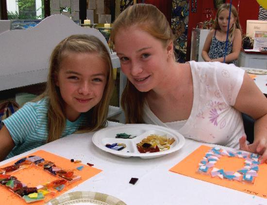 The Glass Palette - Interactive Glass Art Studio: Girls making glass