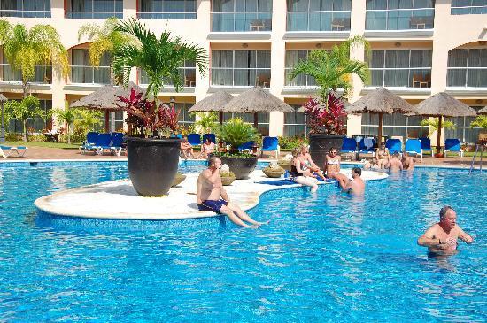 Sandos Playacar Beach Resort: Remote pool is quiet