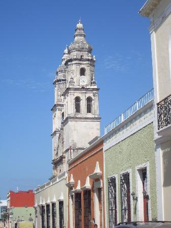 Gamma Campeche Malecon: The cathedral in the main square