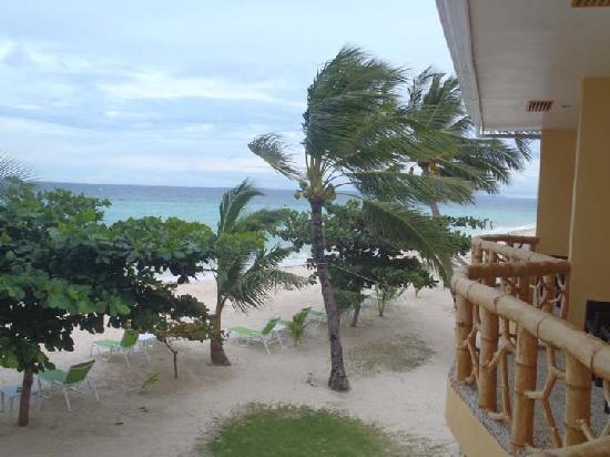 Marlin's Beach Resort: Balcony view from Marlin's