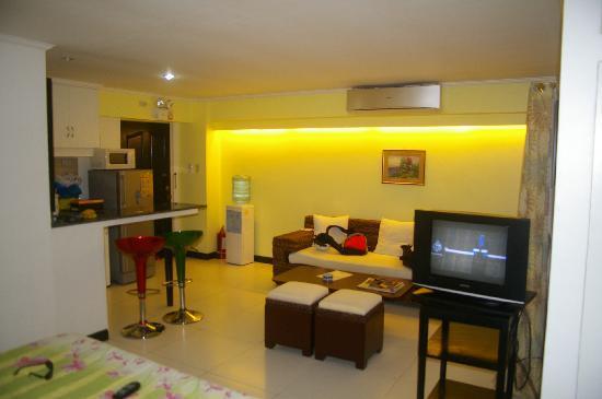 SDR Mactan Serviced Apartments: room 3