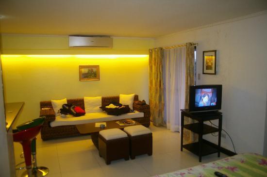 SDR Mactan Serviced Apartments: room 4