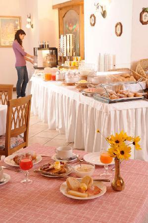 Tonadico, Italia: Sala colazione