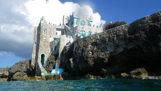 Blue Cave Castle: Picture taken while swimming in Ocean