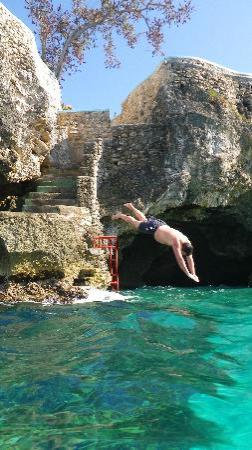 Blue Cave Castle: Diving from the Castle and entrance of Cave