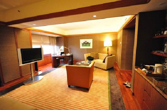 Grand InterContinental Seoul Parnas: club junior suit living area very huge
