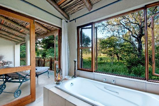 Notten's Bush Camp: En- suite bathroom