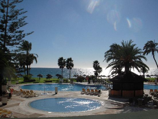 Marinas de Nerja Aparthotel: Pool from balcony