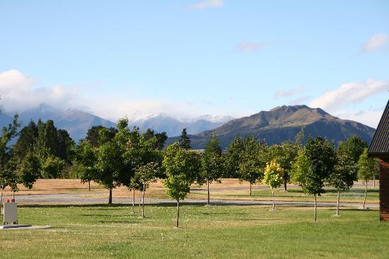 Lake Wanaka Villas at Heritage Village Country Resort: View from Wanaka Heritage Country Resort