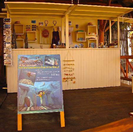 Mayatlantis Aquapark SA de CV: Mayatlantis gift shop