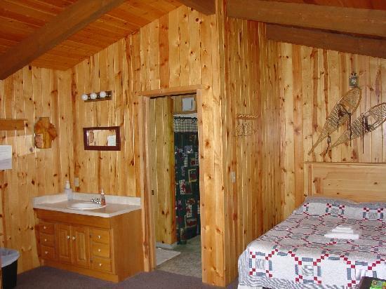 Alaska Fishing Lodge - Wilderness Place Lodge : guest cabin interior