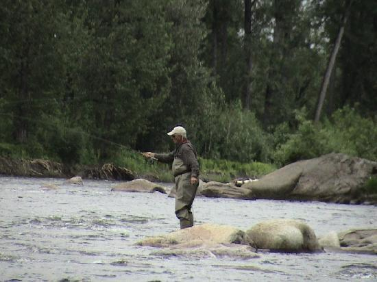 Alaska Fishing Lodge - Wilderness Place Lodge : Fly fishing our home river