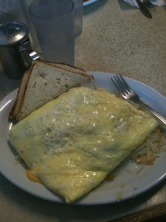 Beth's Cafe: Oh man. SO GOOD! 6 egg omlet, couldn't do the 12