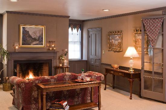 Clamber Hill Inn & Restaurant: Our European Suite -- the favorite room