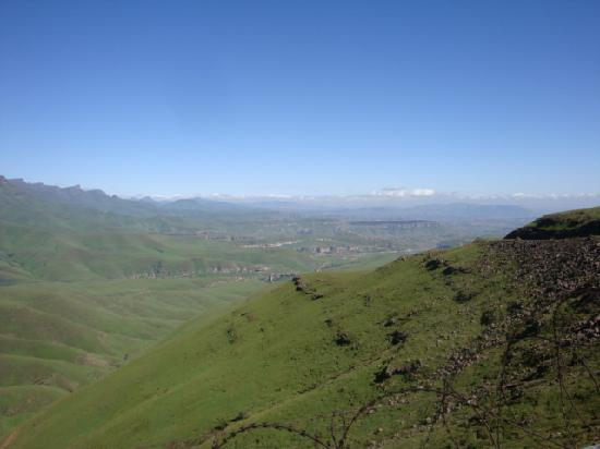 Montusi Mountain Lodge : Amphitheatre views