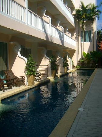 Baan Karonburi Resort: Pool Access Room