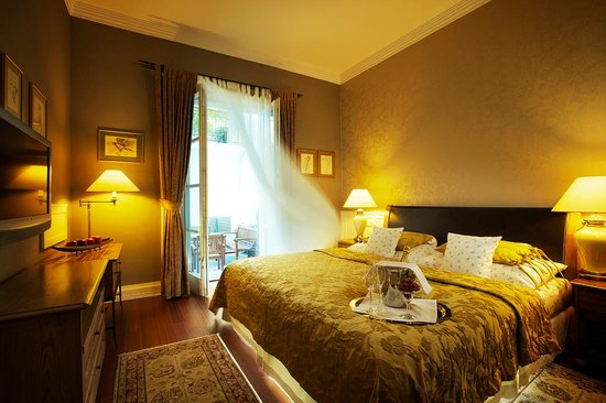 Marrol's Boutique Hotel Bratislava: Panorama View of the Guestroom