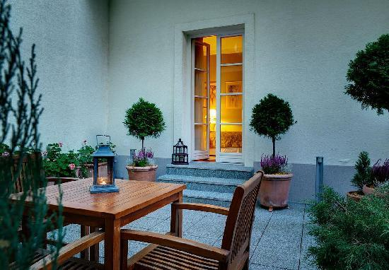 Marrol's Boutique Hotel Bratislava: Detail of the Summer Terrace