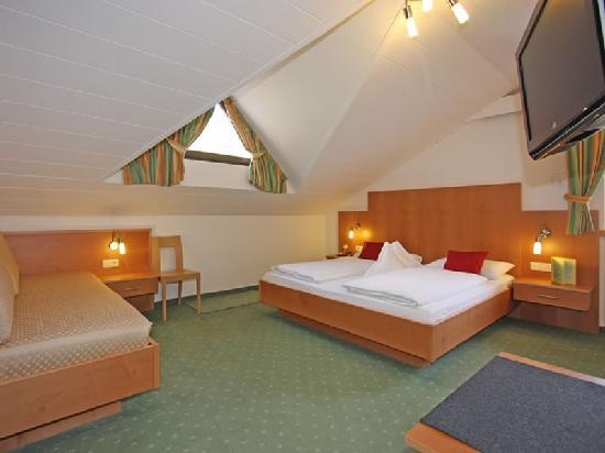 Garni Astrid: Stanze - Zimmer - Rooms