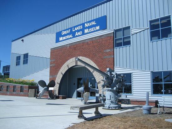 USS Silversides Submarine Museum: Museum