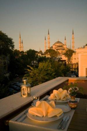 Erguvan Hotel : blue mosque view from terrace